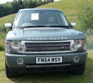 Range Rover Vogue 2005 3.0lt diesel,cream leather interior,full service history,new gearbox,comes with an A1 warranty,£10,495